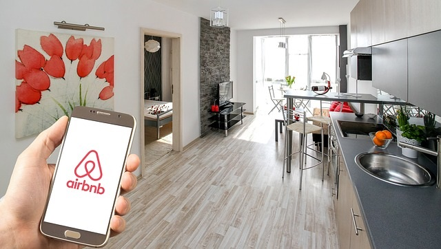 How to rent your property in Paris on Airbnb